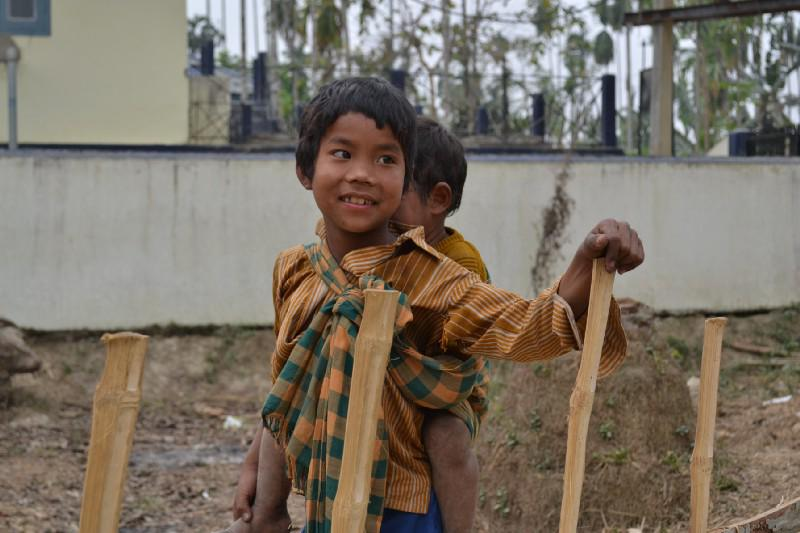 A responsible kid, Photo by Bipul Rabha on Wikimedia commons, under CC BY-SA 3.0